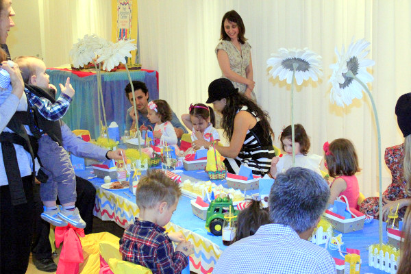 easter party ideas, bunny themed birthday, kids birthday party ideas, how to design a tablescape for kids, kids party ideas, kids' bunny party, kids' easter party, bunny themed party