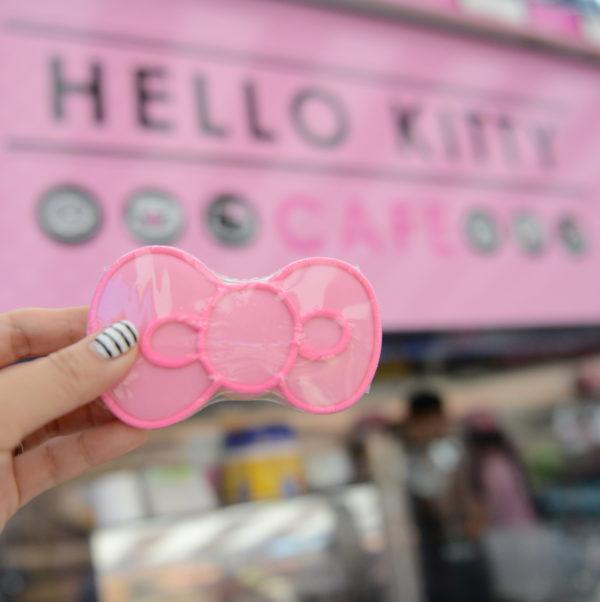 hello kitty cookie, hello kitty pop up, hello kitty cafe, hello kitty bow