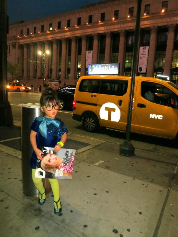 nyfw magazine, minifashionista, the daily, daily magazine, nyc taxi
