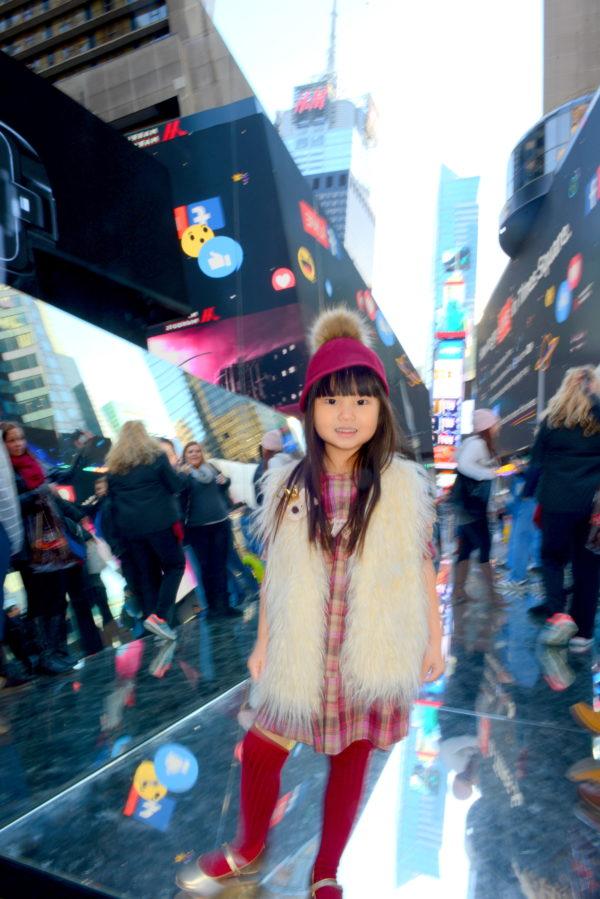 times square, nyc kid, nyc art, nyc, broadway plaza