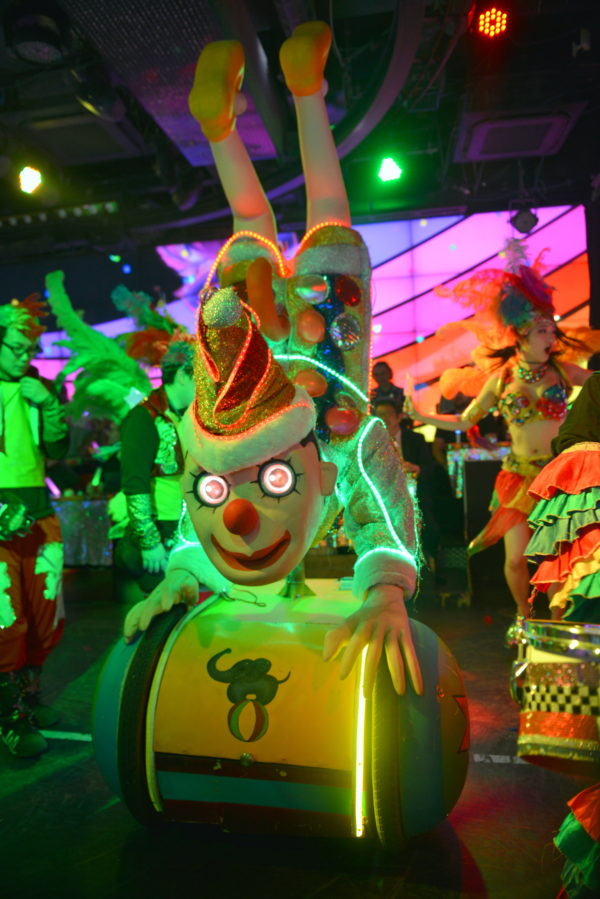 robot restaurant review, things to do with kids in tokyo, things to do with kids japan