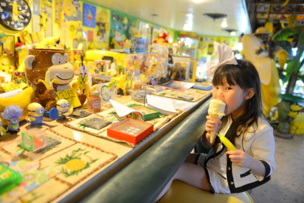 salton sea, socal road trip san diego road trip, palm springs road trip, yellow, banana ice cream