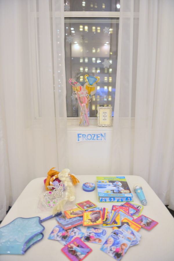 frozen games, frozen themed party, how to plan a frozen party
