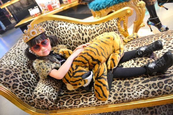 leopard fashion, leopard print, minifashionista, dolce gabbana kids, dolce gabbana model, dolce gabbana soho