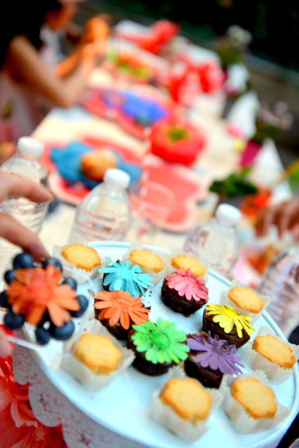 flower party ideas, flower foods, flower themed party, kids party ideas