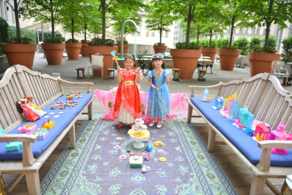 princess picnic, how to throw a princess party, princess party ideas, princess party for girls, disney princess party
