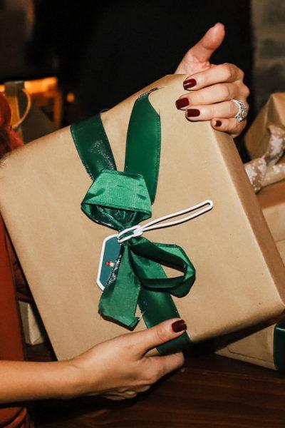 gift, gloss lab, christmas gift