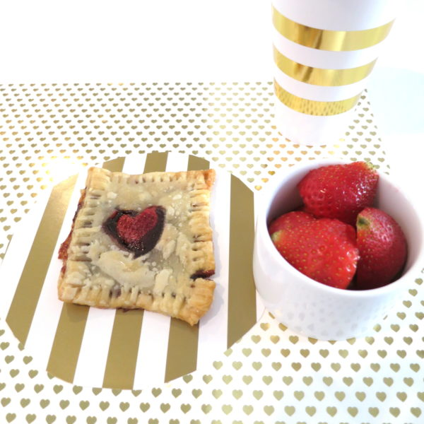 valentine's day treats, valentine's party ideas, valentines food, valentines pop tarts, pop tart recipe, homemade pop tart