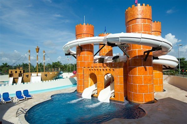 cancun hotel, family fun in cancun, cancun water park, seadust cancun review