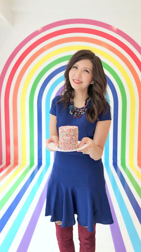 the flour cafe, instagramable nyc, instagramable cafes, nyc rainbow, rainbow art, rainbow cake