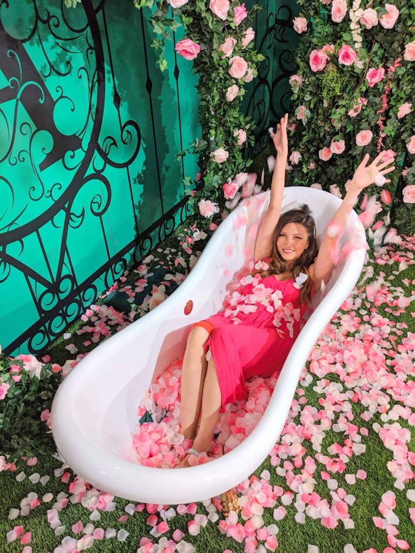 flowers in bathtub, nyc popup, valentines gram, valentines caption, funny valentines captions, best vday captions