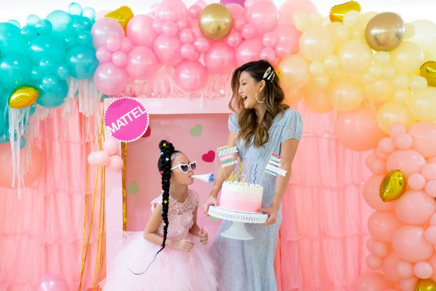 best birthday party, 7th birthday party ideas, doll themed party, barbie party, lol doll party, mini melanie cake