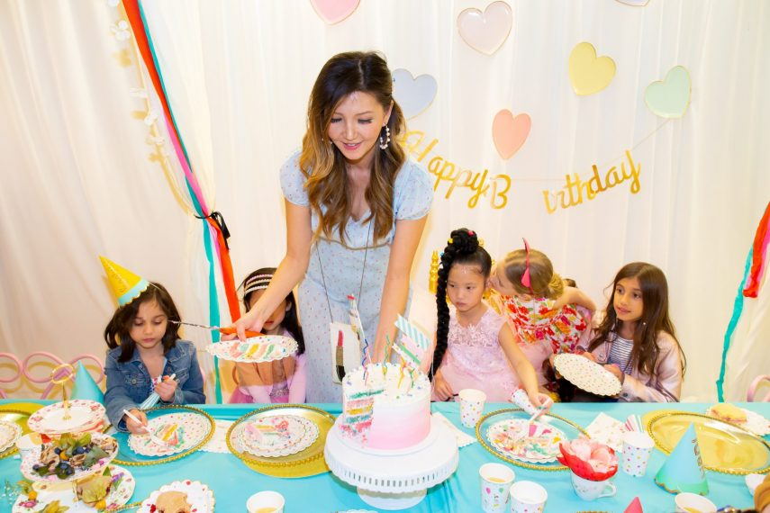 barbie party, american girl doll party, mini melanie cake, event planner tips, petite seats