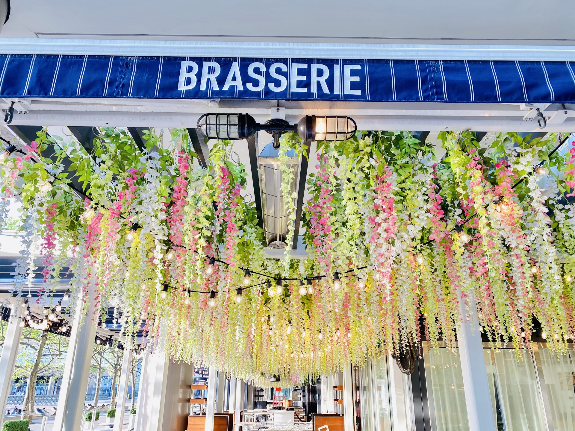brasserie nyc, brookfield place restaurants, brookfield place, most instagramable nyc, nyc outdoor dining, best outdoor dining nyc, waterfront dining nyc