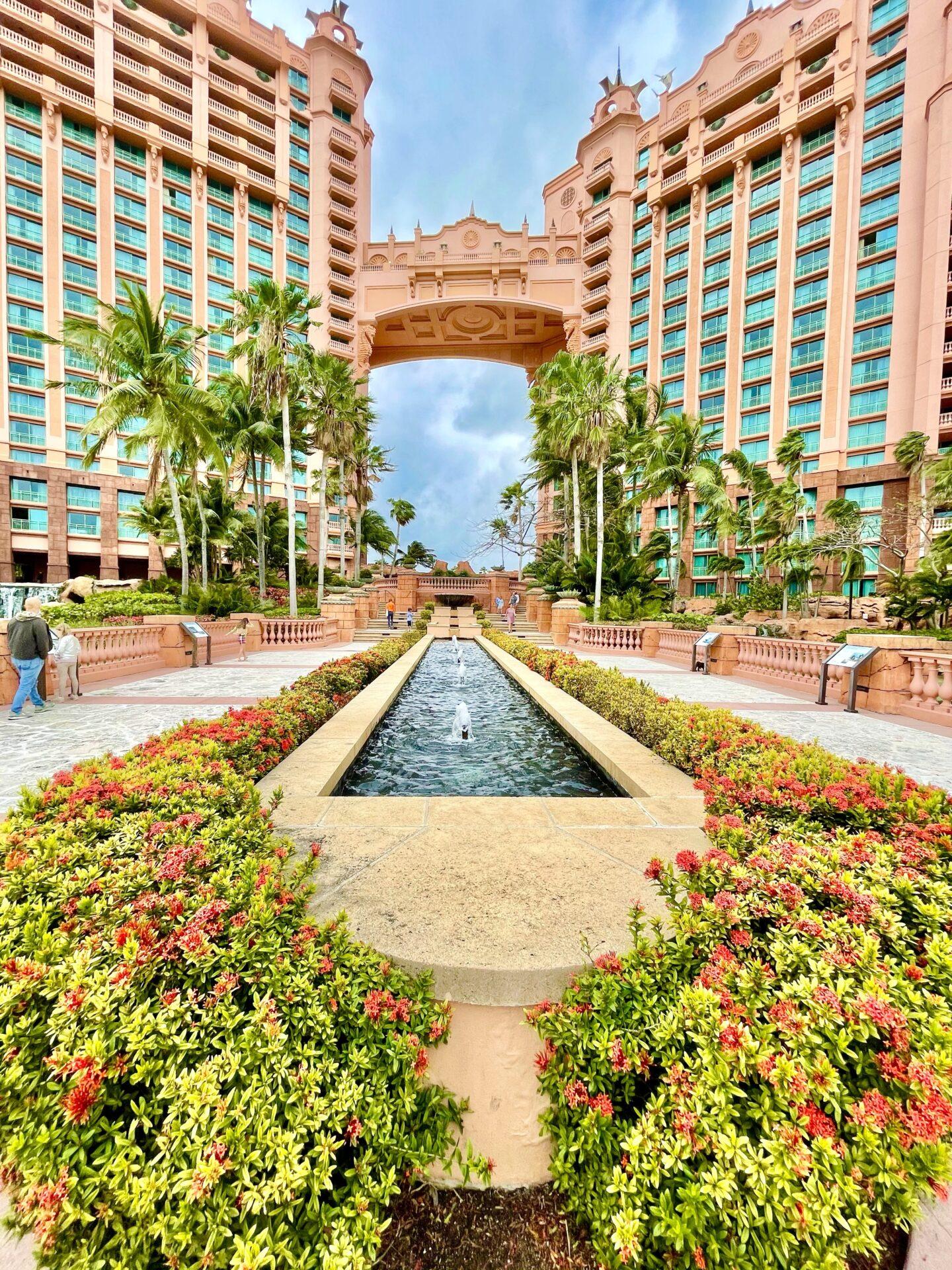 atlantis resort, atlantis bahamas, bahamas hotel, atlantis hotel, atlantis hotel review, atlantis review, review of atlantis
